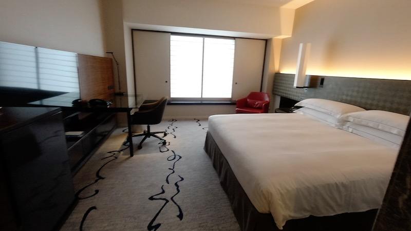 【コロナ禍2020年9月】ヒルトン東京エグゼクティブ&マーブルラウンジと最上階38階宿泊記 お部屋全体