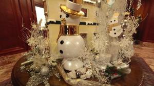 【くま】リッツカールトン大阪アフタヌーンティー!クリスマステディベアティーパーティー【ブログ】ホテル内の様子 クリスマスの飾り付け スノーマン