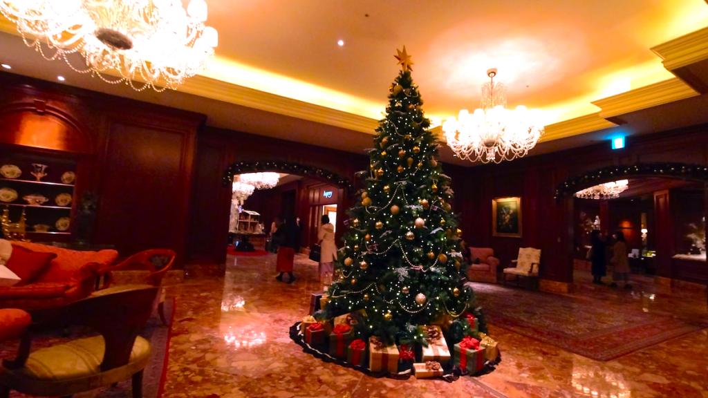 【くま】リッツカールトン大阪アフタヌーンティー!クリスマステディベアティーパーティー【ブログ】ホテル内の様子 クリスマスツリー