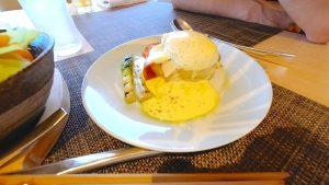 【沖縄・ANAインターコンチネンタル万座】クラブラウンジ 朝食  エッグベネディクト