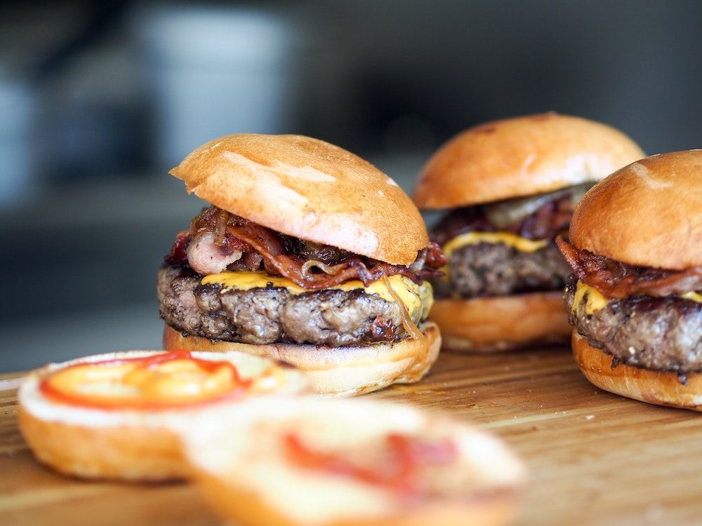 カービィも?モスバーガー福袋の中身と期限、最新の販売情報まとめ【ハンバーガー】 カービィは入る?!2022年モスバーガー福袋の内容